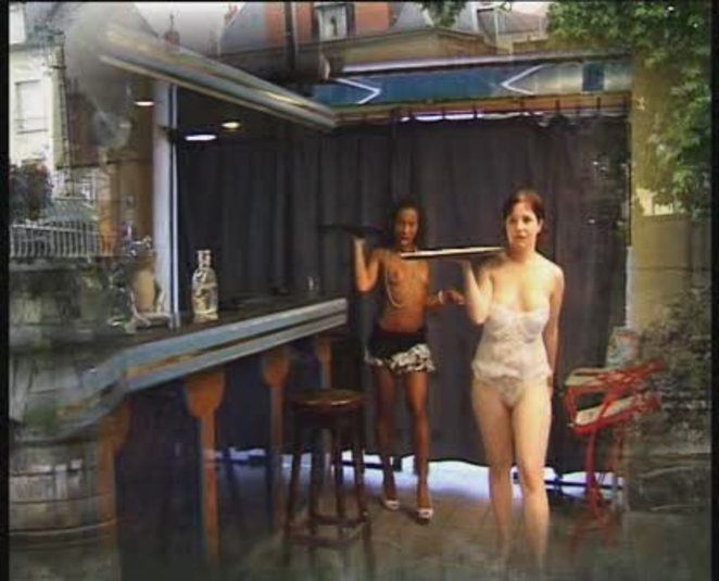 Film The dirty tips of the waitress
